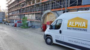 Transporter auf Baustelle
